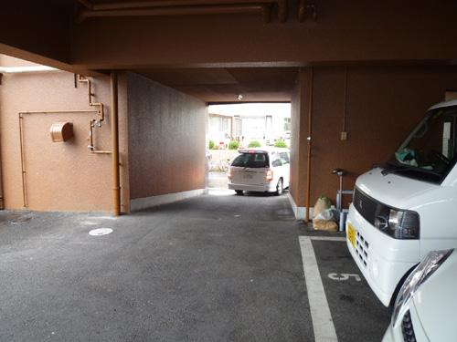 駐車場にて
